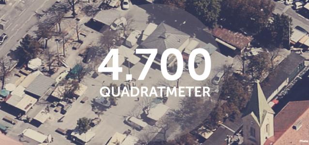 4700m2